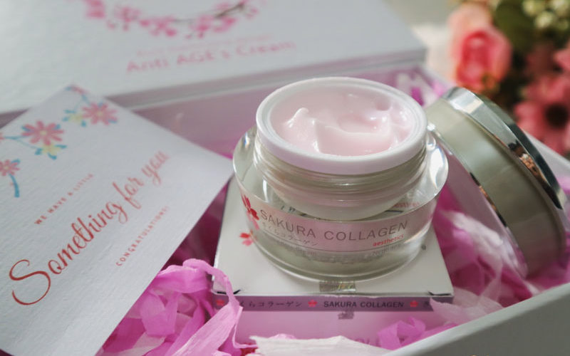 Review Sakura Collagen Anti Age's Cream yang Mengandung Ekstrak Bunga Sakura